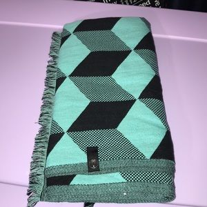 Ivivva Wrap Up and Go Scarf